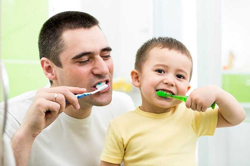 help kids brushing habits by starting young