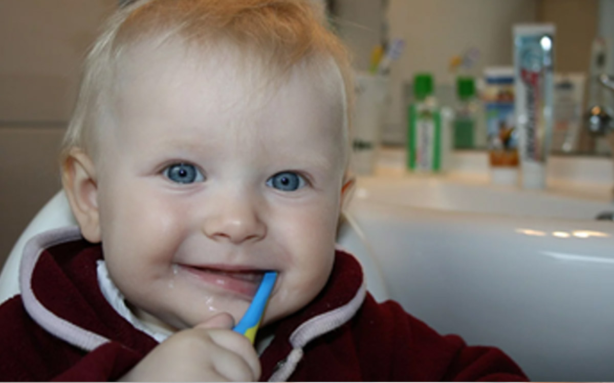 9 Tricks You Can Use To Get Your Kids To Brush Their Teeth